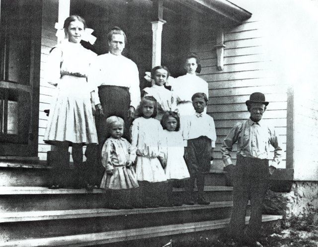 The Reinke family, , Wisconsin, 1909